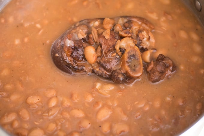 ham hock and pinto beans cooking