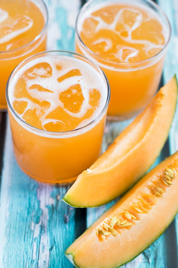 cantaloupe agua fresca is a delicious way to enjoy this fruit! #aguafresca #beverage # mexican