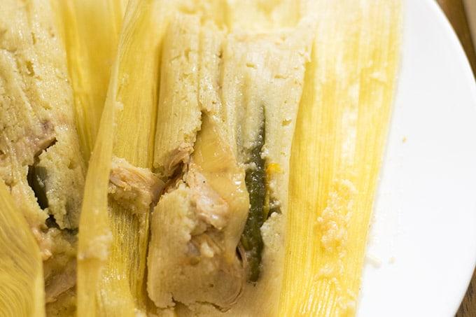 tamales de rajas con pollo