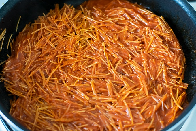 toasted fideo with tomato sauce