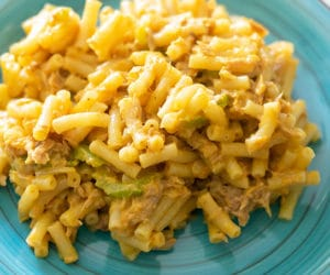 tuna macaroni and cheese on a blue plate