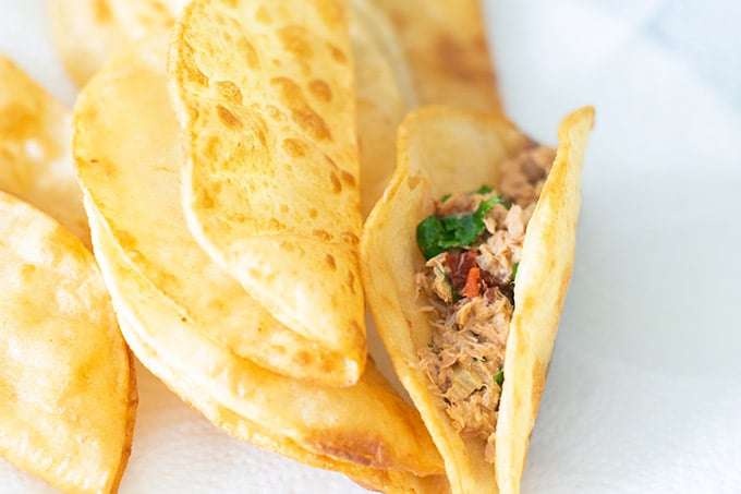 taco shell with tuna filling
