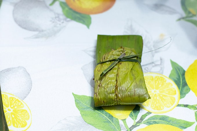 closed banana leaf tamal