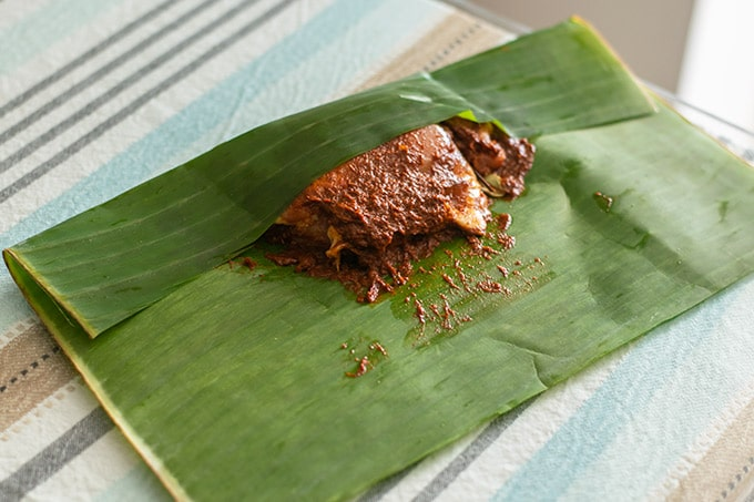 closing the banana leaf