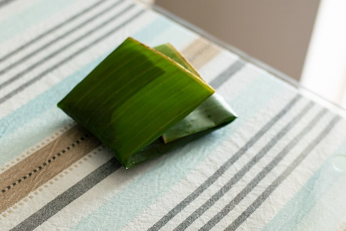 closing banana leaf