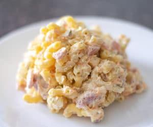ensalada de coditos on a white plate