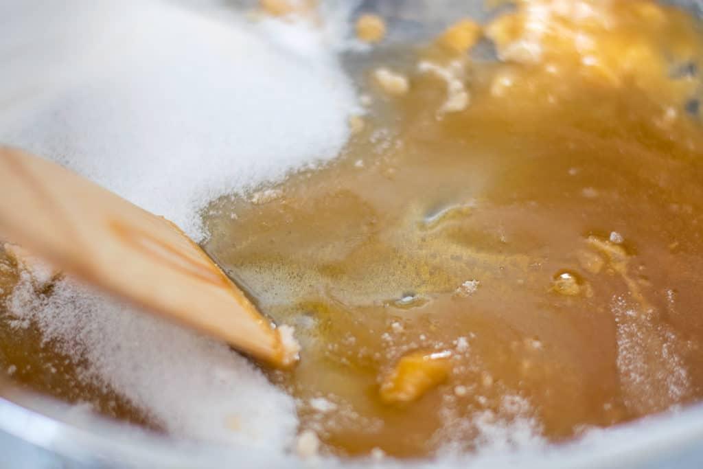 making caramel sauce
